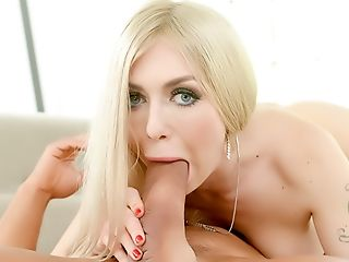 большие сиськи, блондинки, минет, окончание, член, трахает, великолепные, огромные сиськи, длинные волосы, чулки,